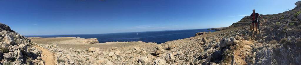 Minorque en VTT vue panoramique de la mer